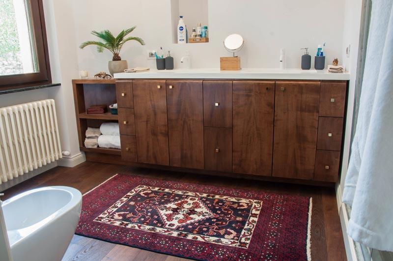 Mobili bagno legno massello gallery of mobile bagno legno massello mobili bagno classici - Mobili bagno legno massiccio ...